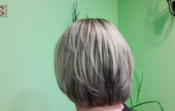 Smoky blonde Grey